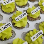 Mini Cupcakes Corporativos de DEVO