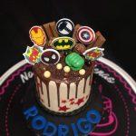 Drip Cakes de Superhéroes